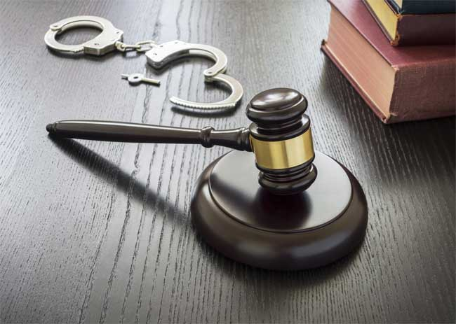 When to Protect Yourself with a Criminal Law Attorney