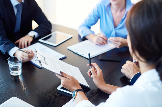 What Services Can a Real Estate Lawyer Provide?